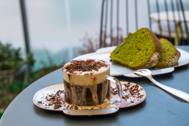 敢喝韓國首爾「骯髒的咖啡」嗎?鮮奶油跟巧克力共舞滿溢而出的創意!