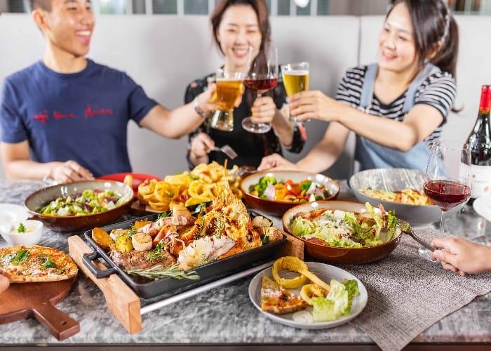 卡拉拉「義」起分享餐 四人同行NT$3,680+10% 預測世足前四強免費抽餐券