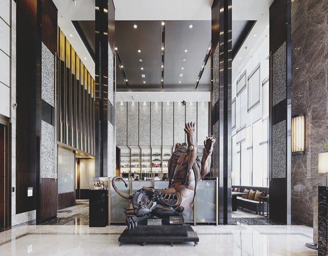 專人包車接送 說走就走的散策旅行 台北六福萬怡酒店