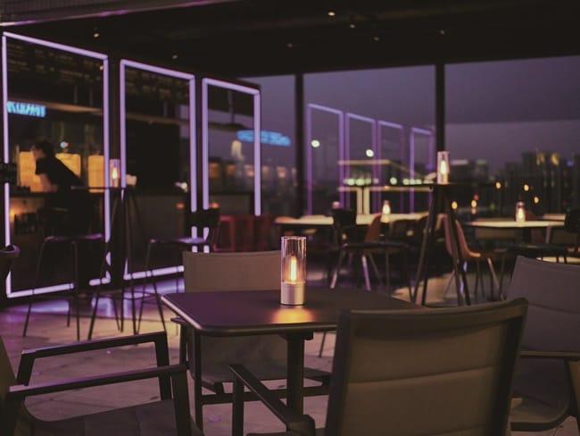 潮拍塗鴉彩繪牆 潮玩酒吧醉迷人 台中豐邑Moxy酒店
